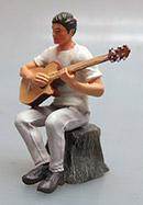 Camper mit Baumstumpf und Gitarre Prehm 500211